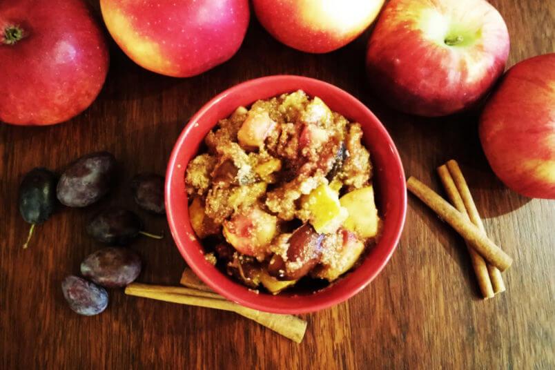 Amarantus gotowany z jabłkami, śliwkami i cynamonem - oryginalna owsianka