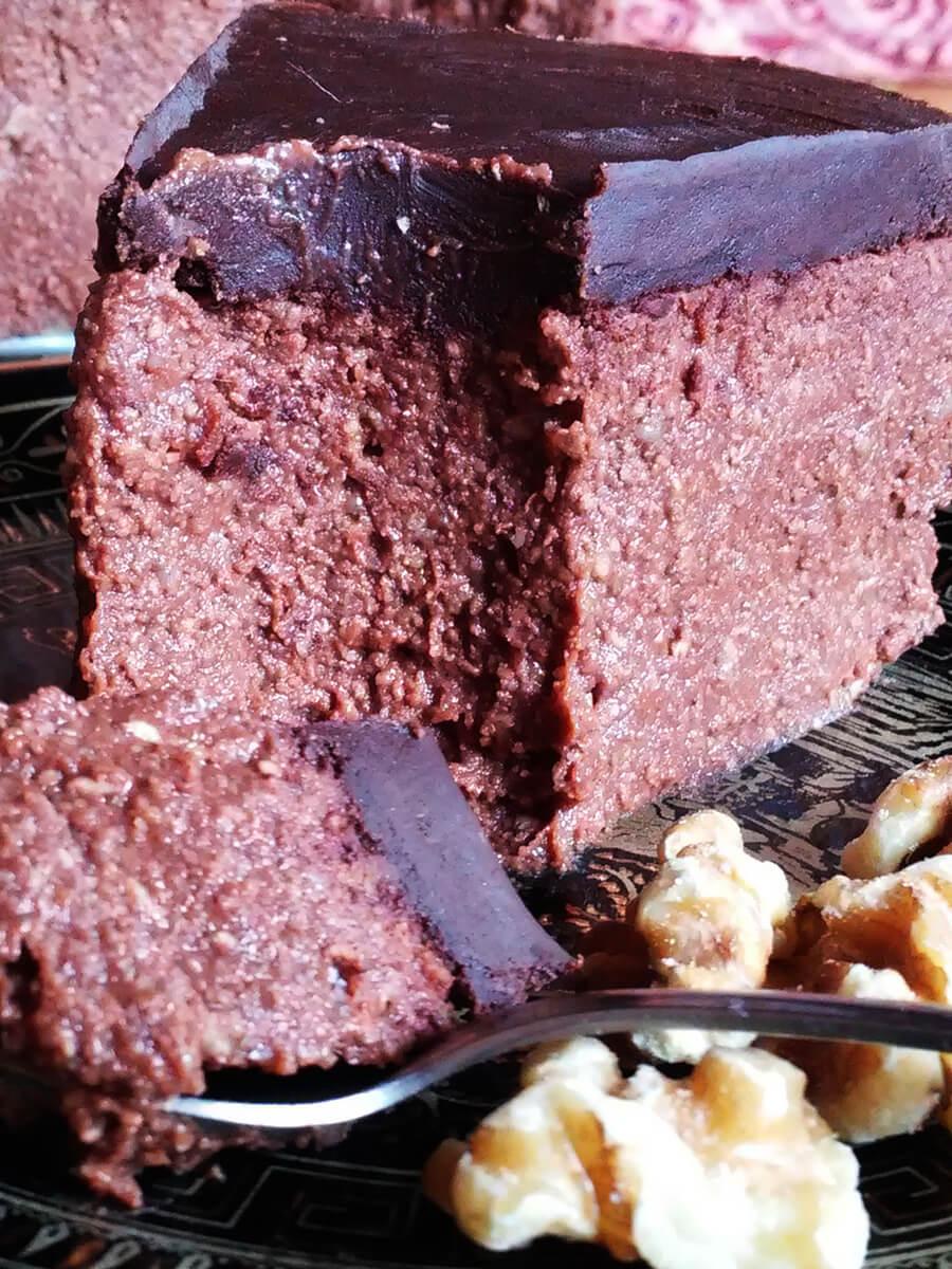 """Kremowy czekoladowy jagielnik - wegański """"sernik"""" z kaszy jaglanej"""