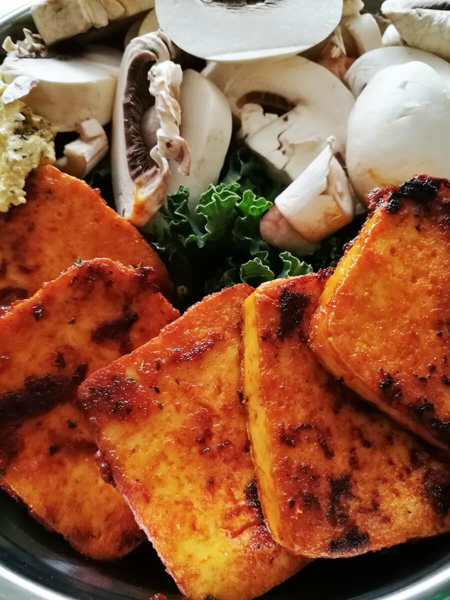 Najlepsze tofu - jak przygotować tofu? Słodko-pikantne i chrupiące wegańskie tofu