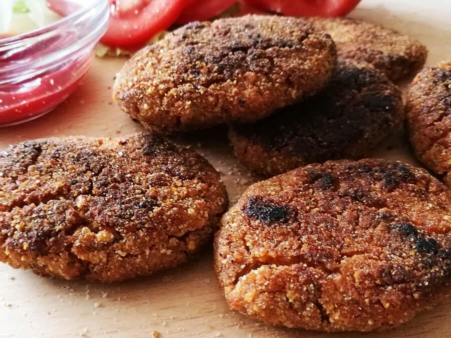 Najszybsze wegańskie nuggetsy z płatków ryżowych i jaglanych - bezmięsne i bezglutenowe nuggetsy