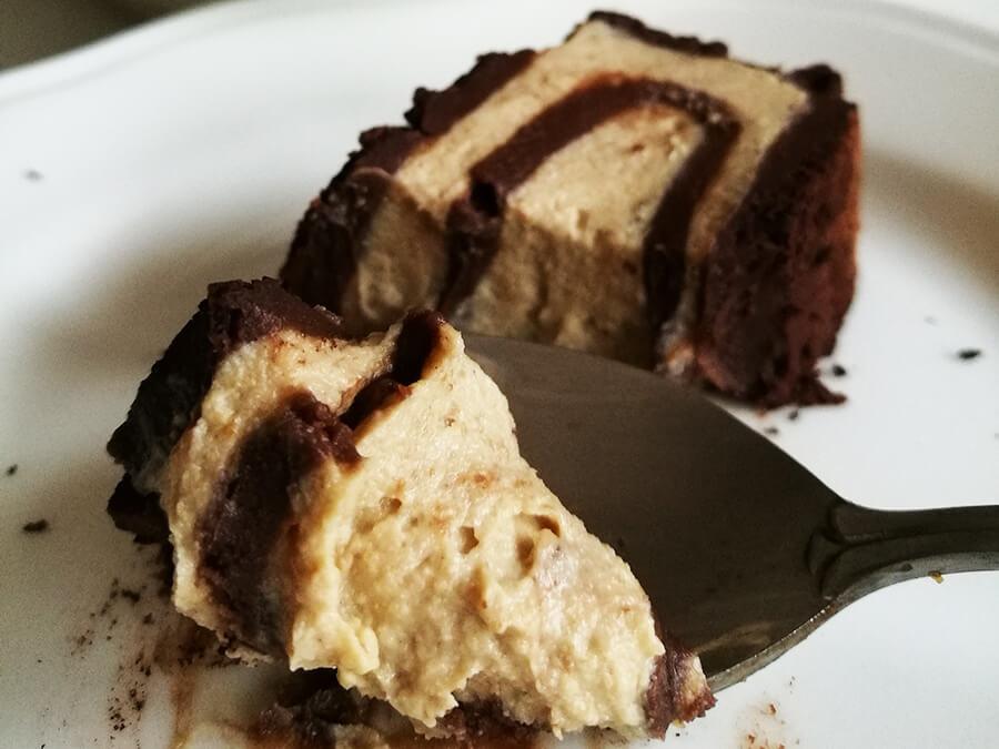 Rolada a'la wegańskie Ferrero Rocher - wegańskie i bezglutenowe ciasto Ferrero Rocher bez pieczenia