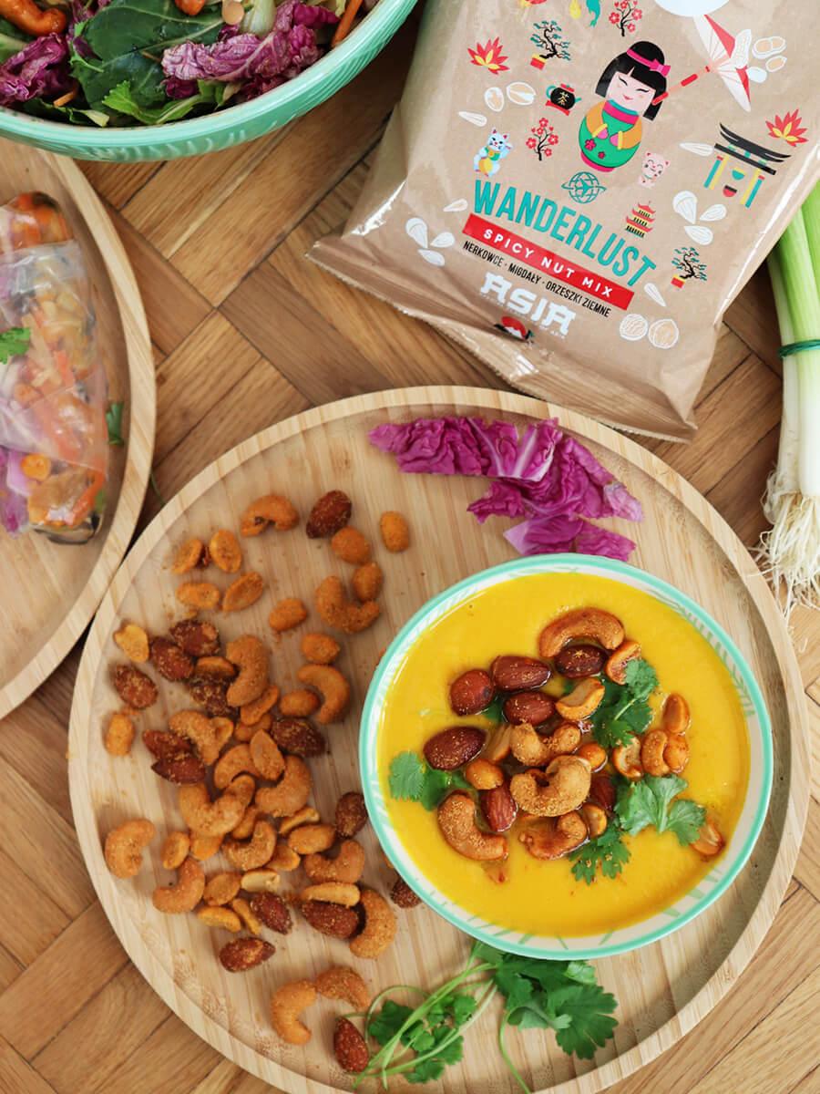 Azjatycka zupa marchewkowa - wegański krem z marchwi i mleka kokosowego