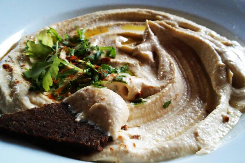 Najlepszy domowy hummus, klasyczny przepis z Izraela i Palestyny