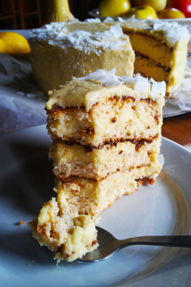 Bezglutenowy tort kokosowy z jaglanym kremem mango, Piňa Colada