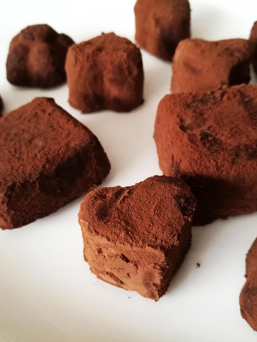Wegańskie pralinki czekoladowe, 3 składniki - prezent na wegańskie walentynki