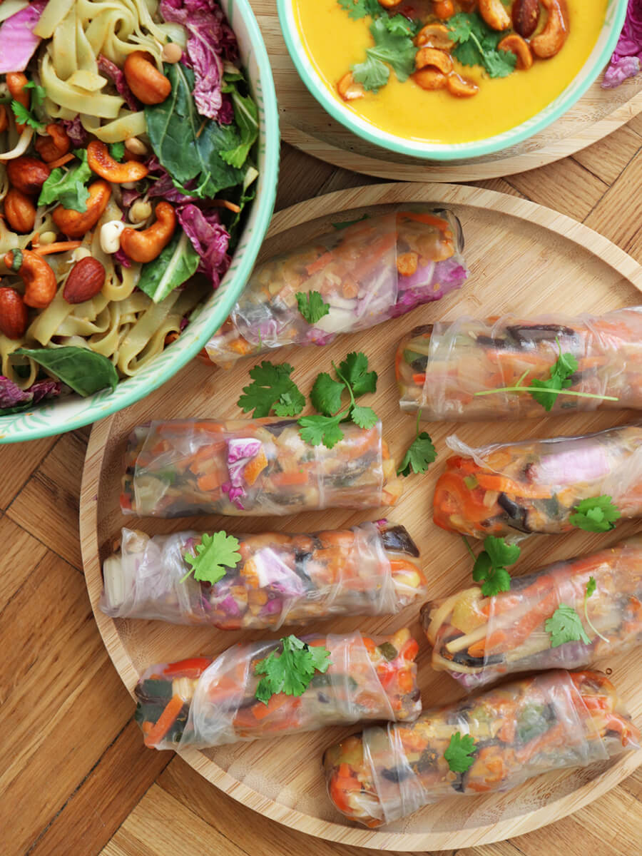 Azjatyckie sajgonki - wegańskie springrolls z warzywami i pikantnymi orzechami - proste, szybkie, tanie
